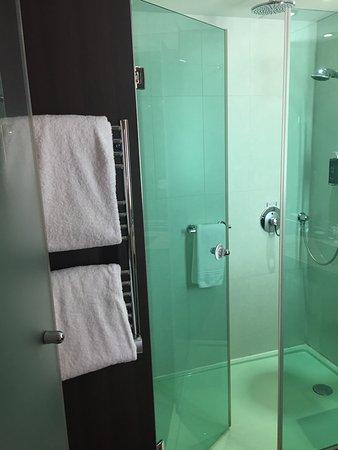 hotel oceania paris porte de versailles dusche und handtuchhalter - Handtuchhalter Dusche Glas