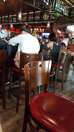 Richfield, MN: bar crowd