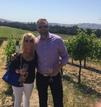 Intimate Wine Tours : Vineyard tour at Gundlach Bundschu