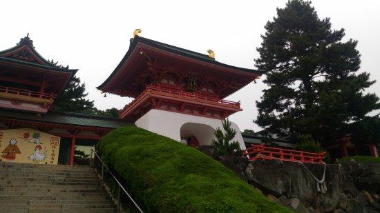 Akama Shrine : P_20170611_055310_large.jpg