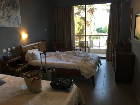 Golden Sun Hotel: photo0.jpg