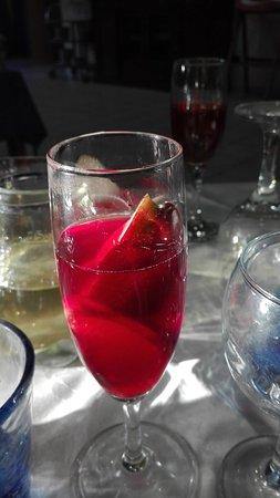 Fossato di Vico, Italia: Paella e sangria! fantastica!