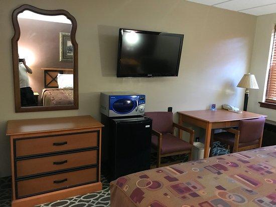 Marinette, WI: King Room