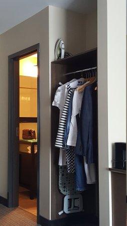 Imperia Hotel et Suites Terrebonne : TA_IMG_20170610_173925_large.jpg