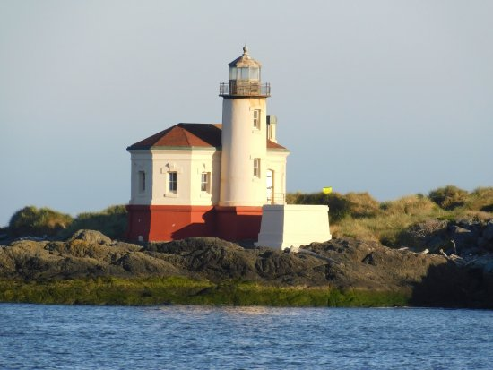 Bandon, OR: Coquille Lighthouse at first light.