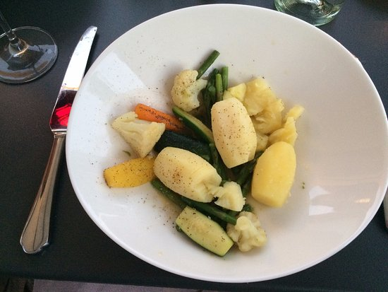 Hostellerie Le Petit Manoir : The waiter was unable to tell my how much my dish cost, but did go and enquire after it was serv