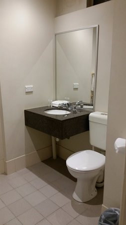 ibis Styles Kingsgate Hotel: Room 236