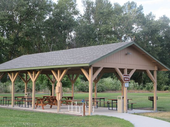 Covered Picnic Facilities, Blue Heron Park, Phoenix, Oregon