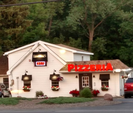 Paladino's Cicero Pizza: You will not be dissatisfied, some of the best pizza and wings in town.