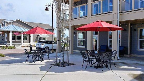 Ocean Shores, Вашингтон: Outdoor seating.