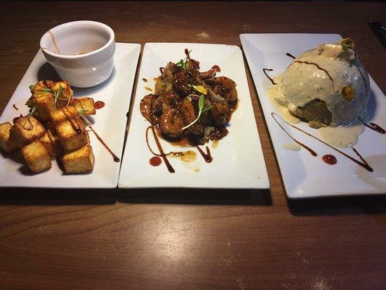 Platos Restaurant & Bar: photo1.jpg