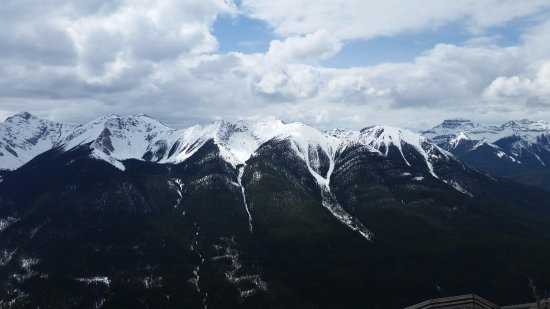 Banff Park Lodge Resort and Conference Centre: View from top of Sulphur Mountain Banff after gondola ride.
