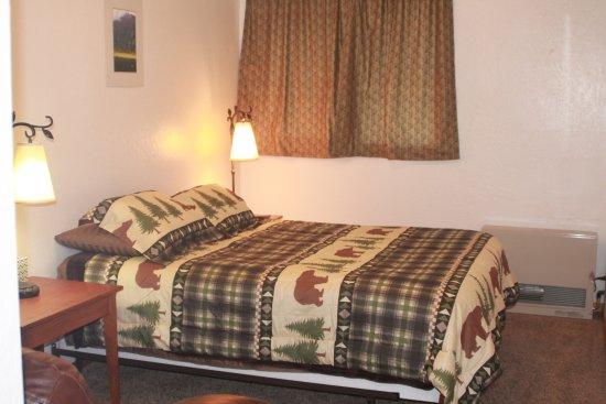Sterling, AK: Wolf Cabin, Main Bedroom