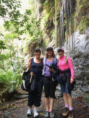 Bundanoon, Австралия: Bushwalk to the waterfall