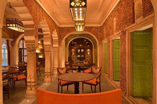 プライベートツアー: オールドデリー、ハヴェリ・ダランプラに食事付きで宿泊