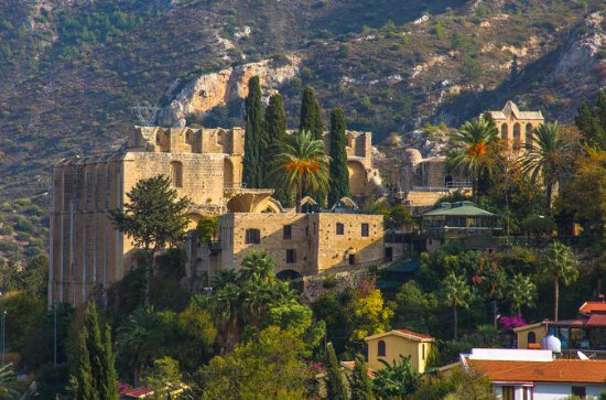 5-Hour tour of St. Hilarion Castle...