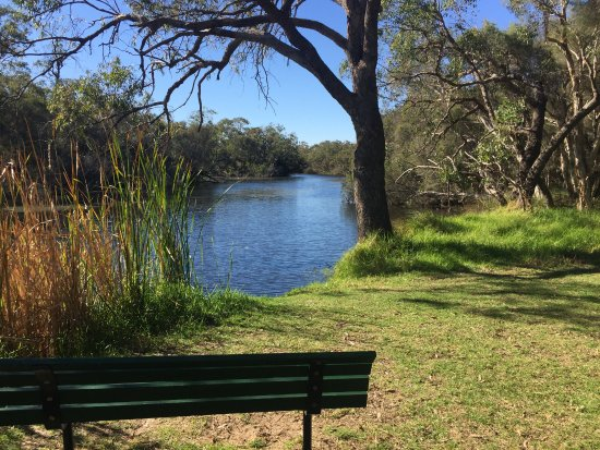 Canning, Australia: A lovely tranquil place to sit and enjoy the view