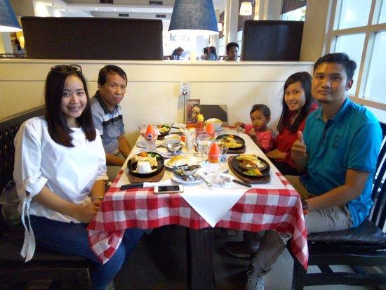 Boncafe Steak & Ice Cream : Tenderloinnya yummy banget......