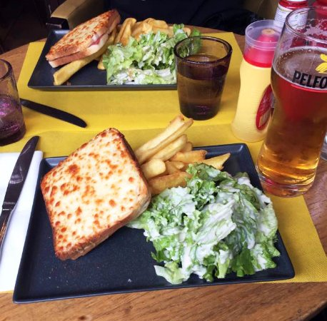 Le Petit Cardinal: Croque monsieur with frites and salad