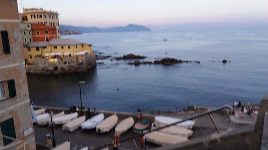 Vittorio al Mare: Bellissimo panorama dalle vetrate del ristorante