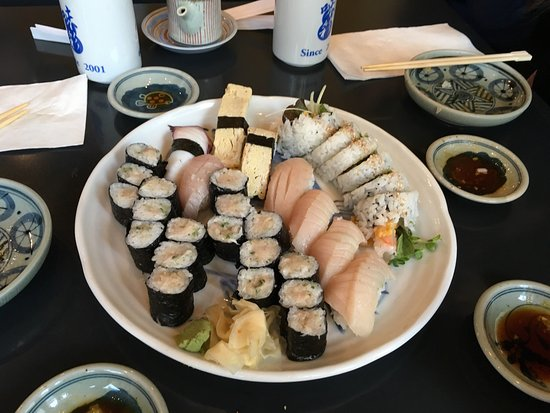 Ajisai sushi bar vancouver kerrisdale restaurant for Ajisai japanese cuisine