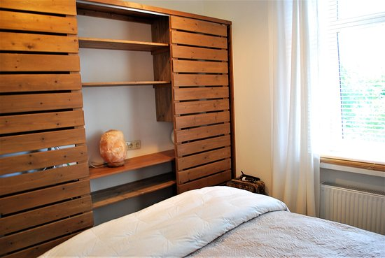 Master Bedroom - Sliding Closet Doors - Picture of White ...