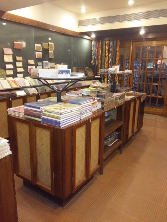 Panjim, Indie: Inside of the store