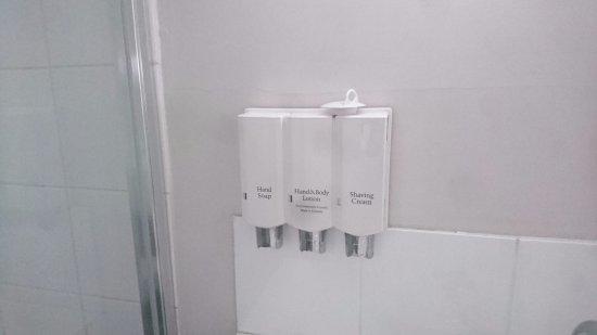Best Western Balan Village Motel Nowra: Dispensers instead of bar soap