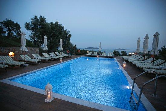 Irida aegean view updated 2017 hotel reviews price for La piscine art hotel reviews