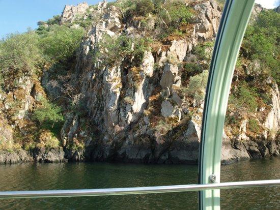 Aldeadávila de la Ribera, España: Vista desde el barco