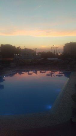 Angela Beach Hotel: IMAG3063_large.jpg