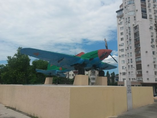 Monument the Plane IL-2