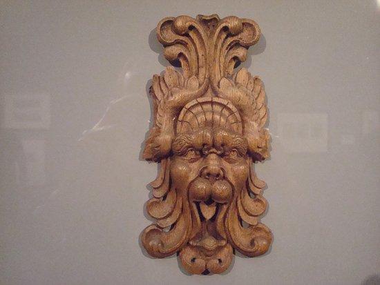Villa Vauban - Musee d'Art de la Ville de Luxembourg: Ornamental mascaron