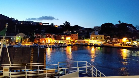 Isola d'Ischia, Italia: Ischia Porto
