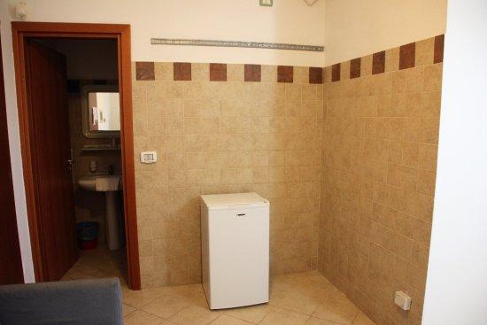 Scoglio degli Achei: Einsamer Kühlschrank