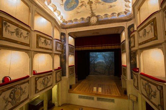 Monte Castello di Vibio照片