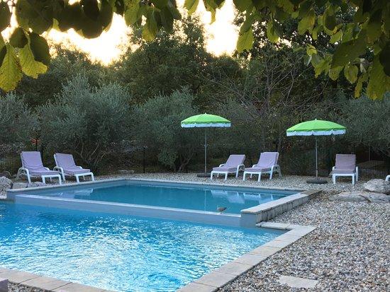 piscine photo de roulottes et cabanes de saint cerice vogue tripadvisor. Black Bedroom Furniture Sets. Home Design Ideas