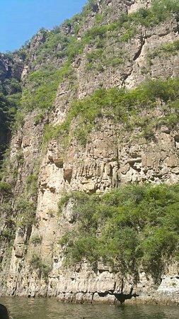Longqing Gorge: Screenshot_2017-06-11-19-20-10_large.jpg