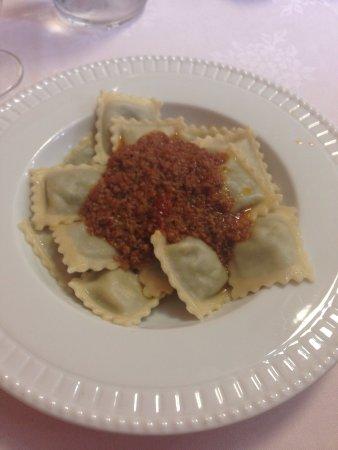 Ristorante Morando In Genova Con Cucina Italiana