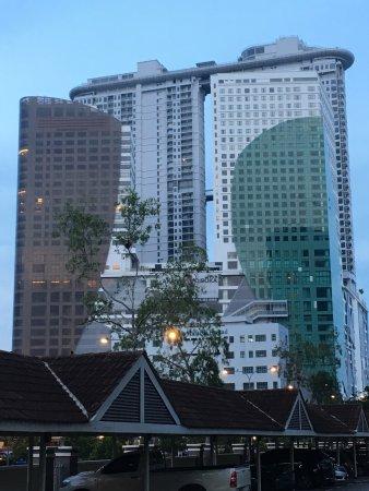 Singapore to Malacca - 4 ways to travel via bus, car, and