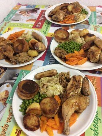 Chepas Bar Cafe: Sunday Roast Dinner