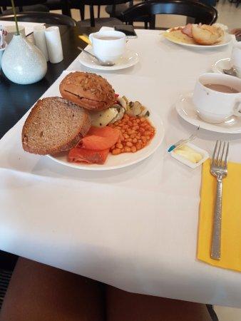 Vienna House Andel's Berlin: Breakfast