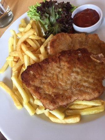 Wernberg, Germania: Unsere Mittagessen bei Alter Pfarrhof. Geschmacklich waren die Speisen gut gewesen. Wir sind nic