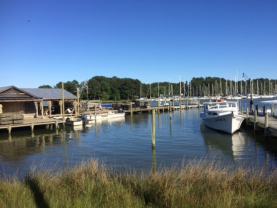 Topping, VA: Everything tastes better on the water!