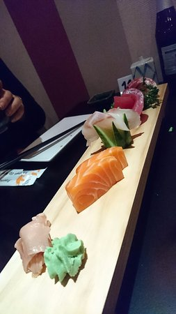 Hoshiya Korean & Japanese Restaurant: One of the selections, giving a good range of different sushi