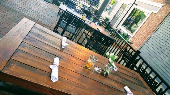 Rochester, NH: Revolution TapRoom & Grill