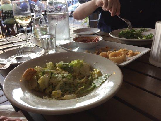 ดีเคเตอร์, จอร์เจีย: Cesar salad and remnants of the Calamari