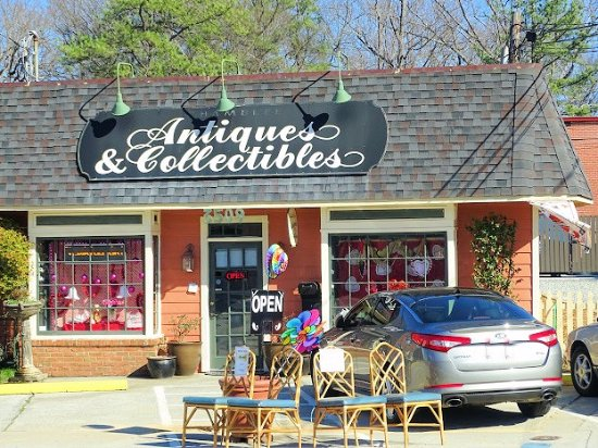 ‪Chamblee Antiques & Collectibles‬