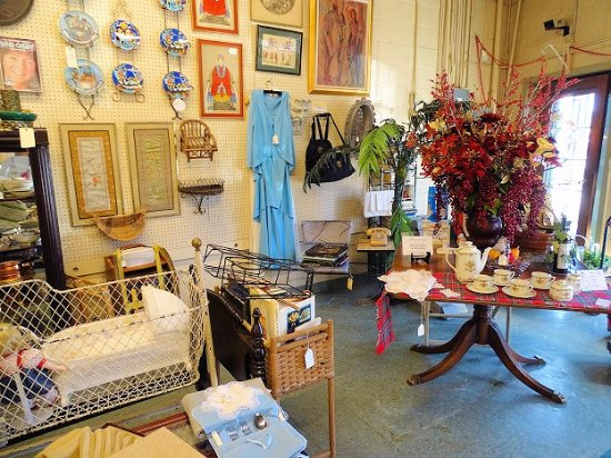 Chamblee Antiques & Collectibles