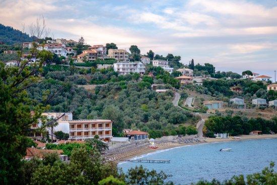 Filokalia Apartments: Achladies beach.